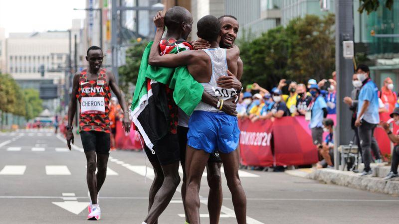 Kipchoge-Triumph im Marathon, kuriose Szene um Silber und Bronze
