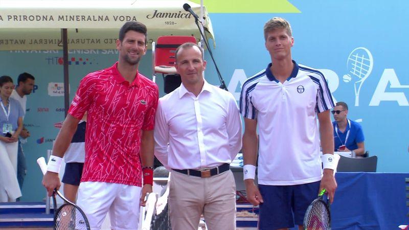 Se bildene: Her spiller Djokovic foran tilnærmet fulle tribuner