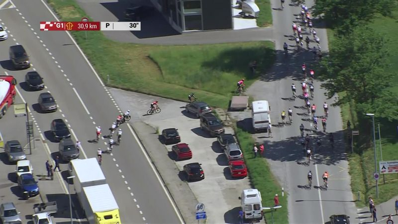 Riders take wrong exit at roundabout at Tour de Suisse