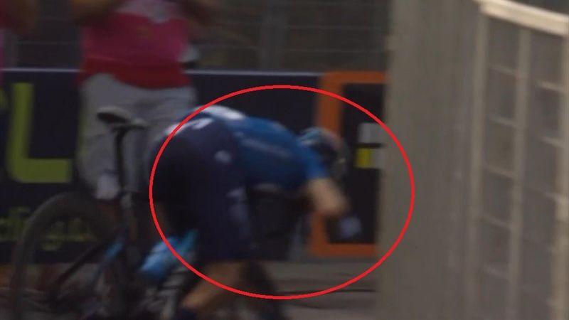 Valverde esulta, si gira e poi finisce a terra: che botta!