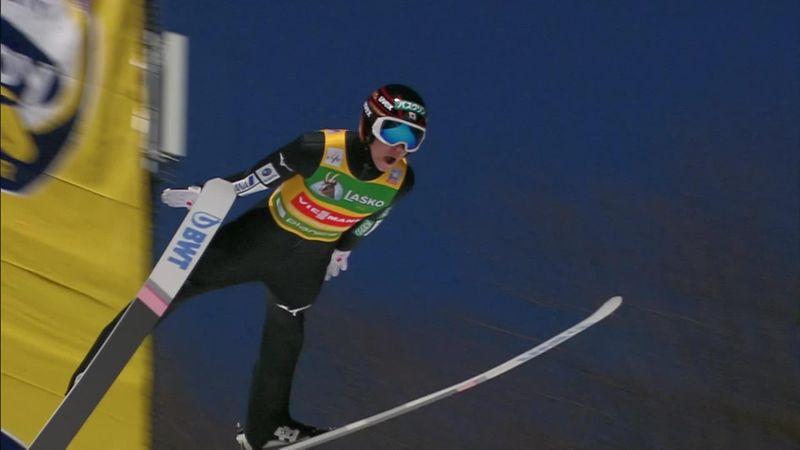 Kobayashi a plané sur Planica jusqu'à un record de 252 mètres