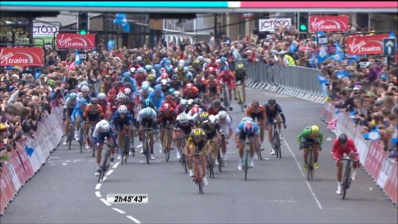 Nacer Bouhanni vince la 2^ tappa del Tour dello Yorkshire