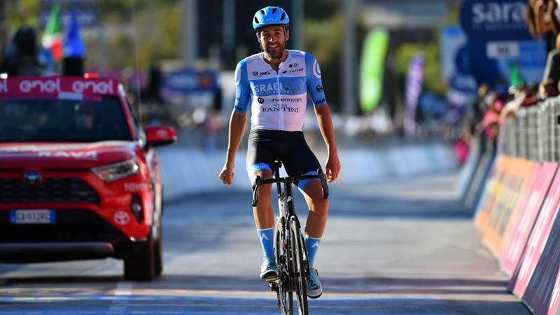 Her vinner han den åttende Giro d'Italia-etappen