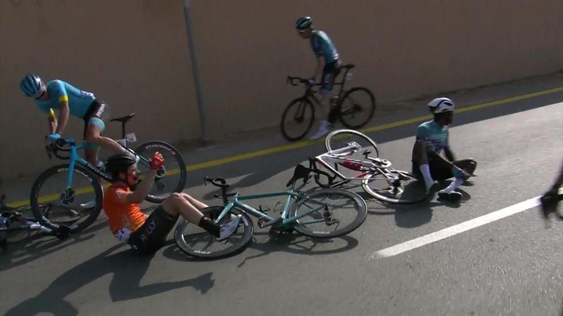 Saudi Tour: stage 5 -Massive crash in the peloton