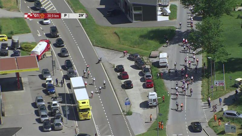 Surrealista situación en Suiza: La mitad del pelotón se equivoca de camino