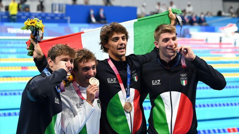 Italia da urlo, bronzo nella 4X100 misti: il film della medaglia