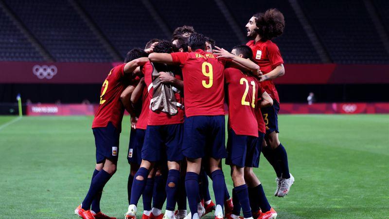 Fútbol   Resumen del Australia-España: La Roja coge aire 'in extremis' (0-1)