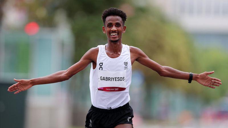 IOC-Flüchtlingsathlet trotzt Hitze im Marathon und holt Spitzenplatz
