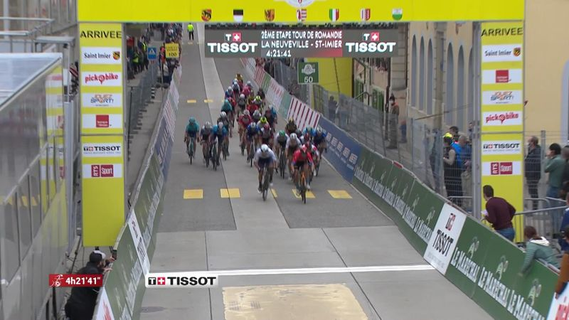 Colbrelli a pris sa revanche, Dennis n'a pas flanché : le résumé de la 2e étape