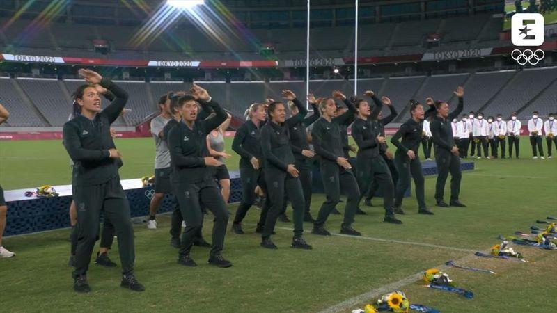Le haka des Néo-Zélandaises pour fêter l'or olympique