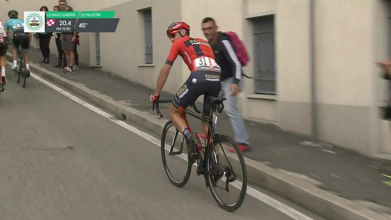 Giro de Lombardía 2019: El percance de Nibali con un bote de agua