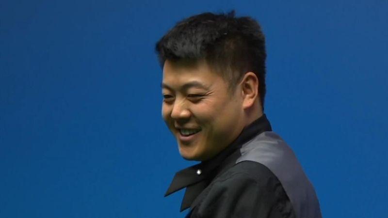 """Da muss er selber lachen"": Liang mit sehenswertem Trickshot"