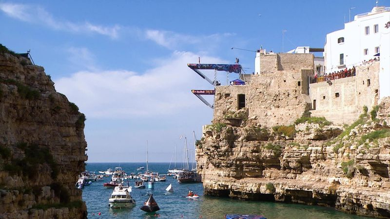 Red Bull Cliff Diving : Gary Hunt wins it in Polignano a Mare
