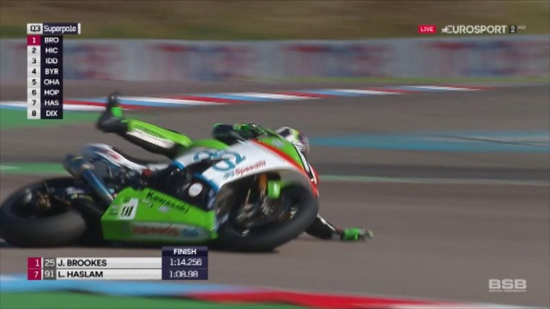 'He's gone down!' - Leon Haslam crashes in qualifying at Thruxton