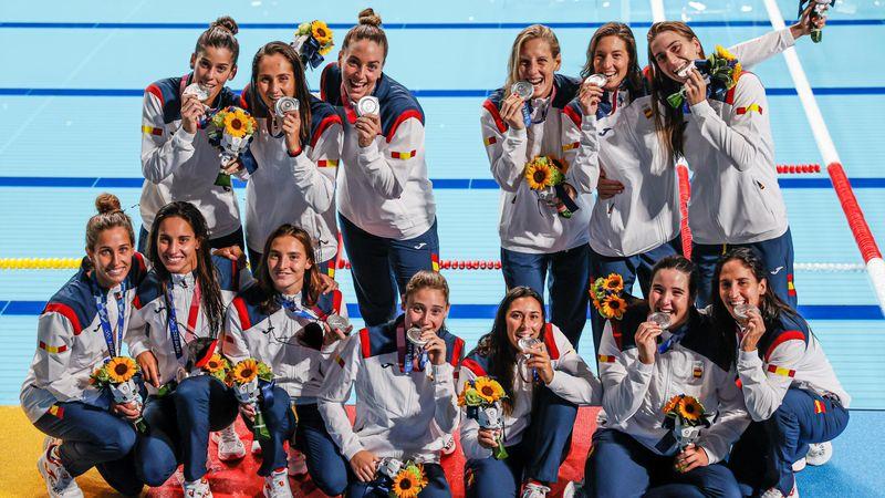 Waterpolo (F) | Así recibieron su plata las 'Hidroguerreras' españolas
