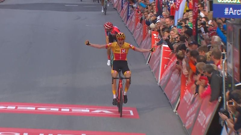 Arctic Race of Norway | Bizarre finish levert Lutsenko eindzege op