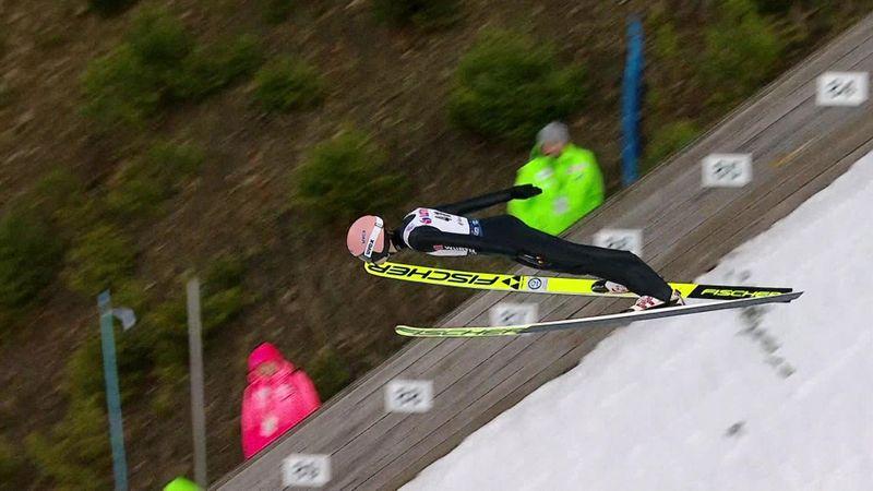 Wereldbeker Wisla | Geiger springt het verst in de eerste ronde