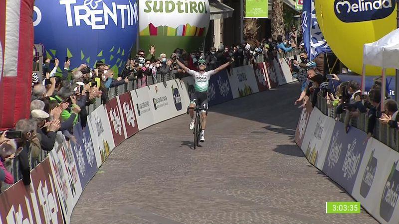 Ronde van de Alpen  Grosschartner wint slotetappe, eindzege voor Yates