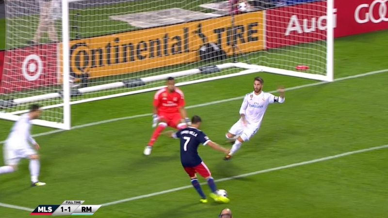 Kaká og David Villa viste seg frem mot Real Madrid