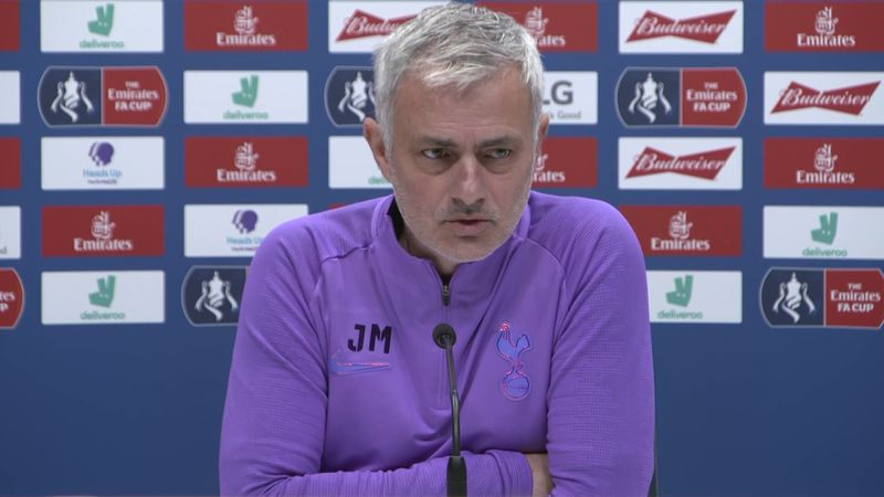 Mourinho: Distracted Eriksen not playing well