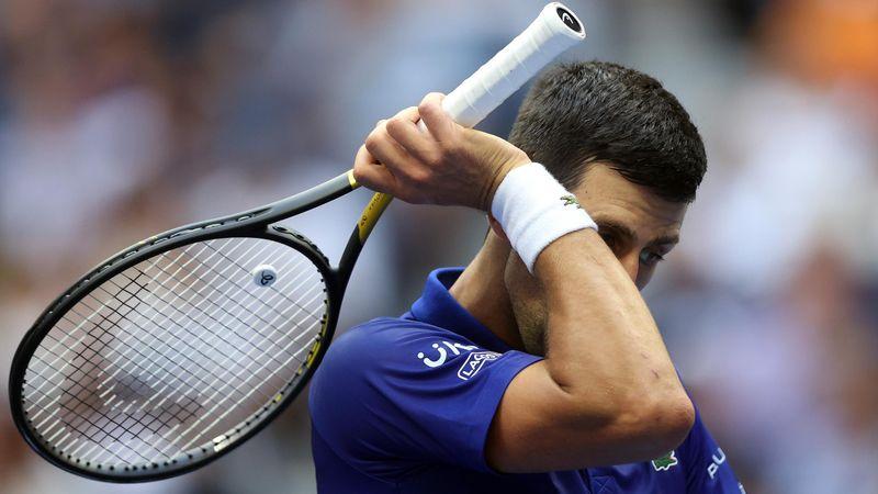 Scene incredibile cu Novak Djokovic pe un teren de tenis