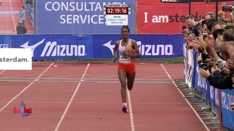 Azimeraw verbreekt parcoursrecord vrouwen bij marathon Amsterdam