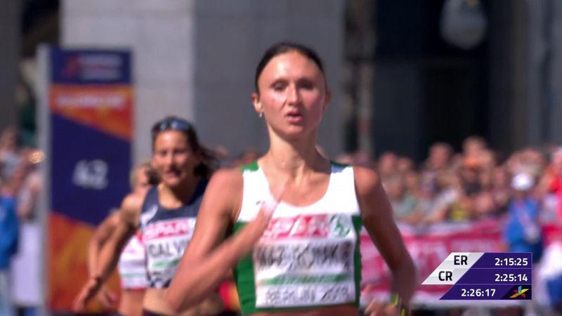 Calvin y a cru mais Mazuronak était au-dessus : revivez le sprint du marathon femmes