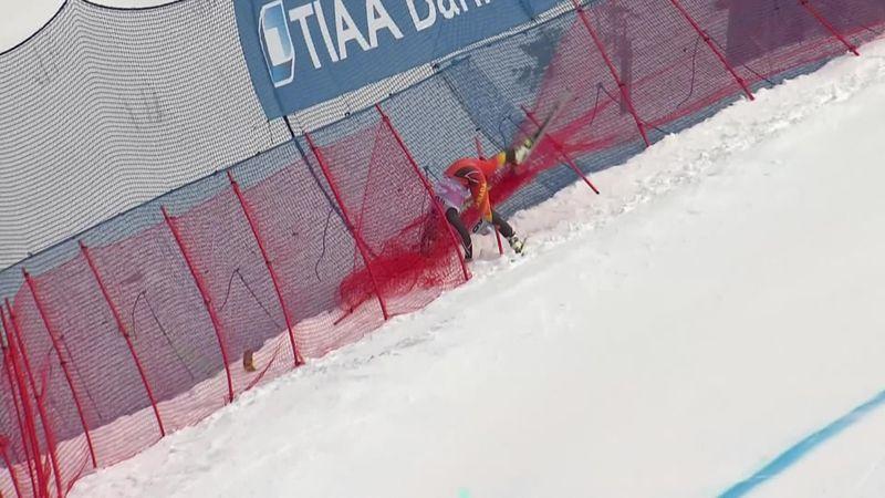 Esquí alpino, Copa del Mundo: Crawford se queda enganchado en las redes