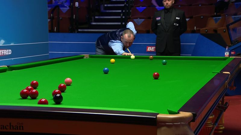 'My word!' - Mark Williams produces sensational long red to sit John Higgins down