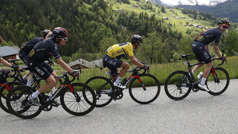 Ineos insubmersible sur le Tour de France ? Le débat du jour