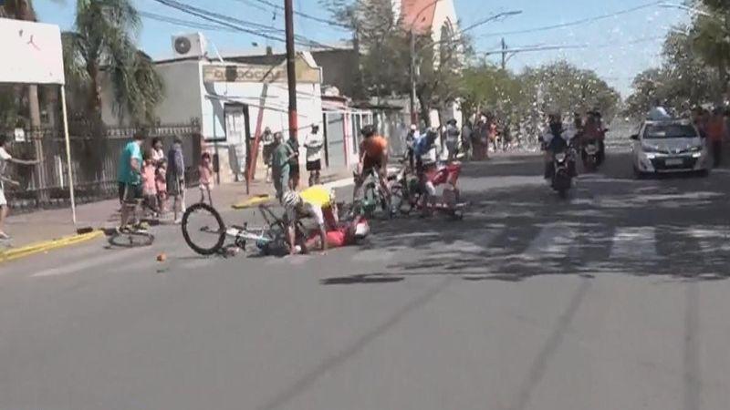Un câine a provocat căderea mai multor cicliști în etapa a doua a cursei Vuelta San Juan
