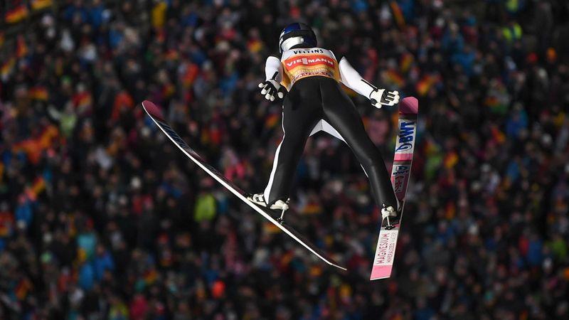 Гениальный прыжок Кобаяси, который позволил ему стать лидером «Турне четырех трамплинов»