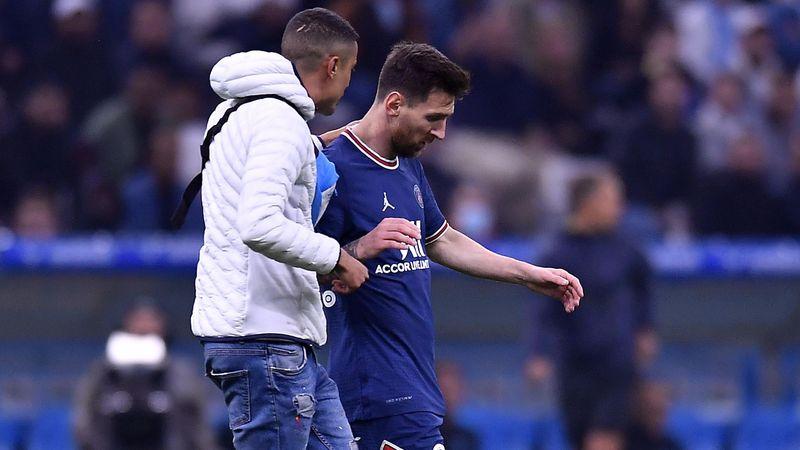 Irre Szene! Flitzer stoppt Messi-Angriff