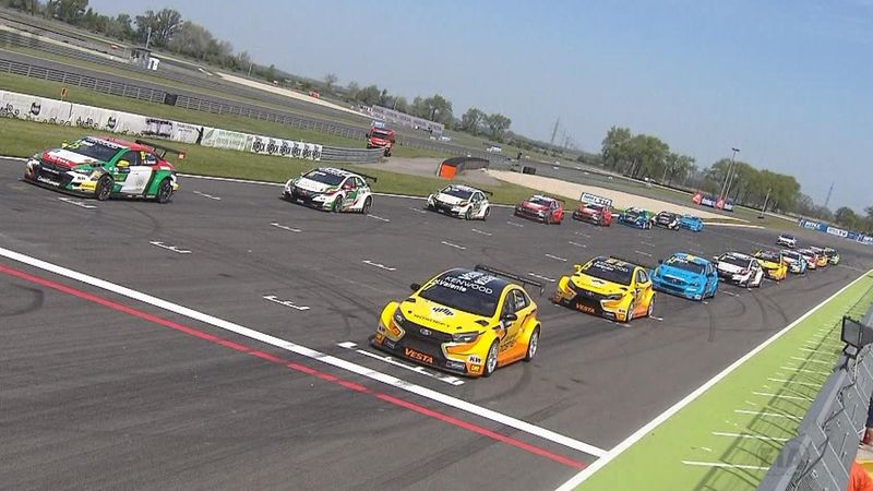 WTCC: a Monteiro l'opening in Slovacchia