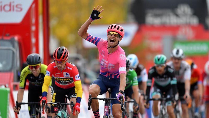 Роглич уступил Корту на финише 16-го этапа, но все равно лидирует в общем зачете
