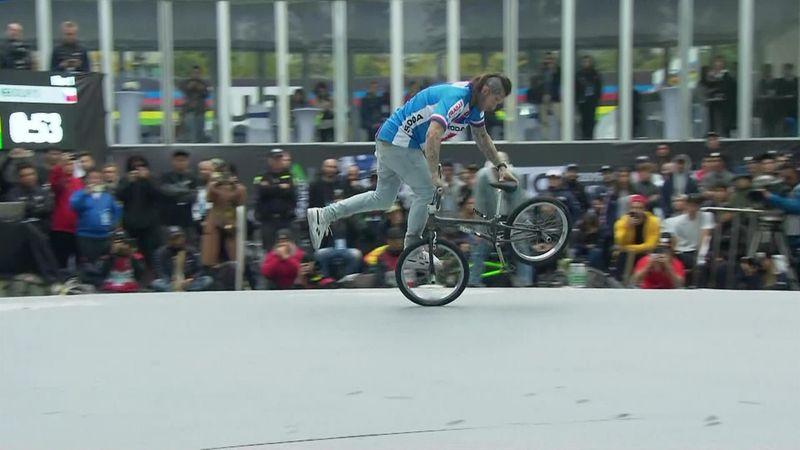 La actuación de Nekolny para ser campeón del mundo BMX desmotrando su habilidad