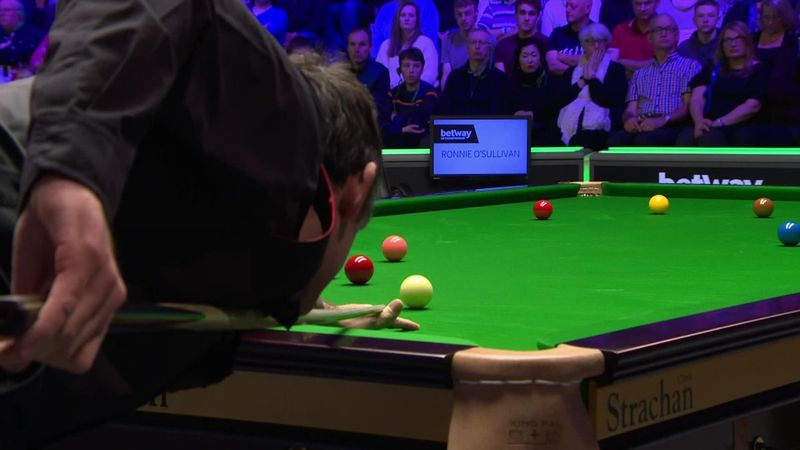 UK Championship: long red by O'Sullivan