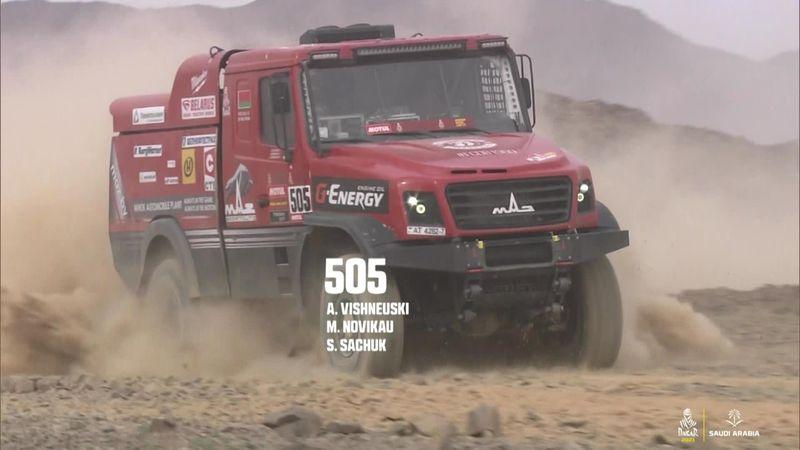 Суператмосферный «Дакар»: бегущие от грузовика верблюды и мощные горы