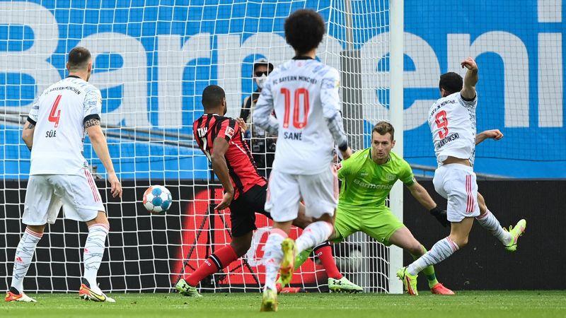 Tacco di Lewa, poi festa Bayern: 5-1 al Bayer, i gol