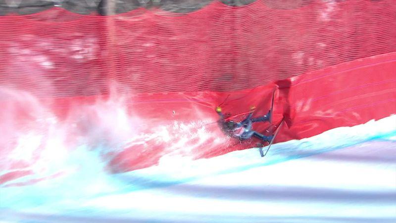 Новое падение в Валь-д'Изере: как эта лыжница избежала травм?