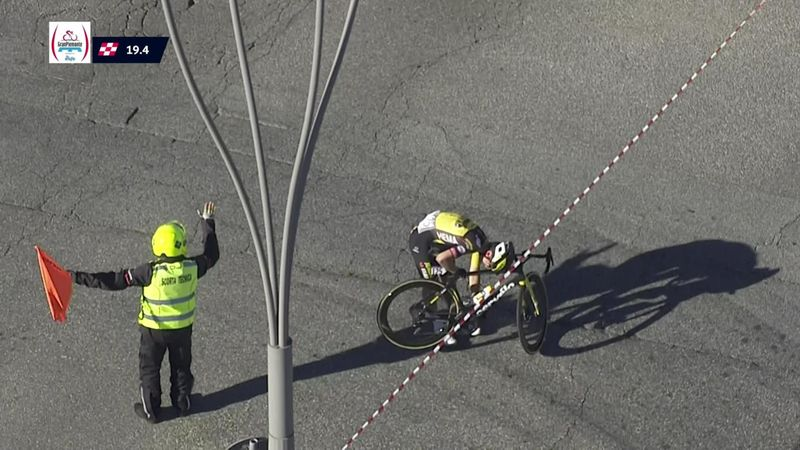'Only one rider down miraculously' - Olav Kooij crashes during Gran Piemonte