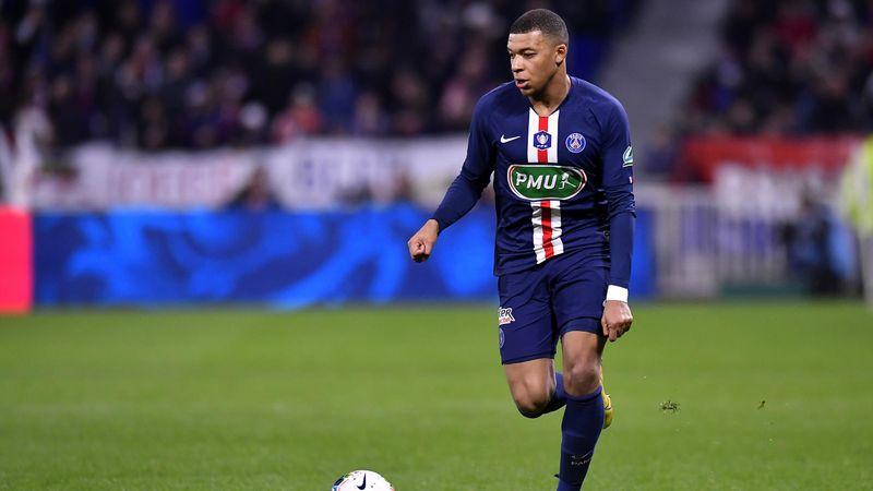 Tal día como hoy... Bestial golazo de Mbappé ante el Lyon en una noche mágica