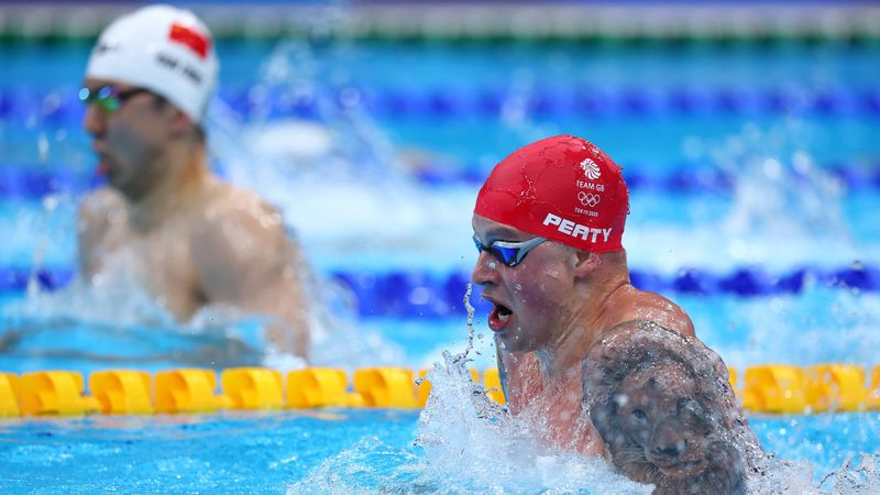 'Can he ruin the winning streak?' – GB fall just short as USA claim gold in 4x100m medley