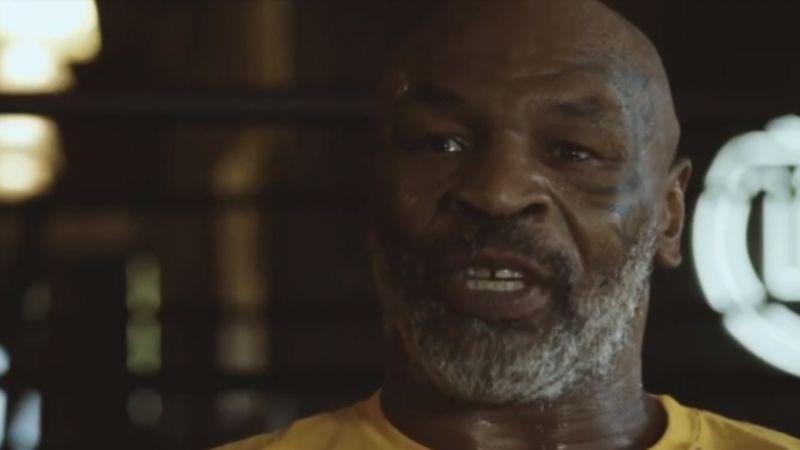 """Mike Tyson is back! Il video trailer della sfida a Roy Jones jr: """"Sono pronto a fargli il c**o"""""""