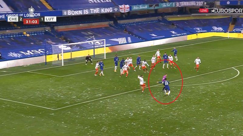 Schema lui Chelsea, stricată de arbitru! Centralul l-a blocat pe Mount în momentul șutului