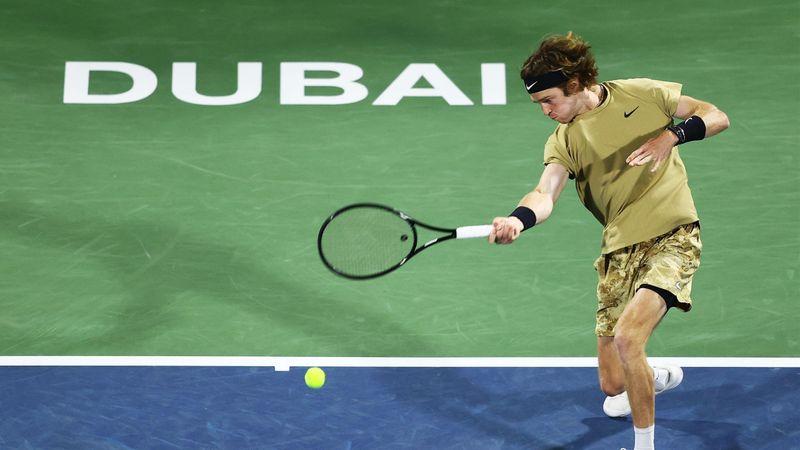 ATP Dubai | Andrey Rublev l-a învins în 2 seturi pe Marton Fucsovics
