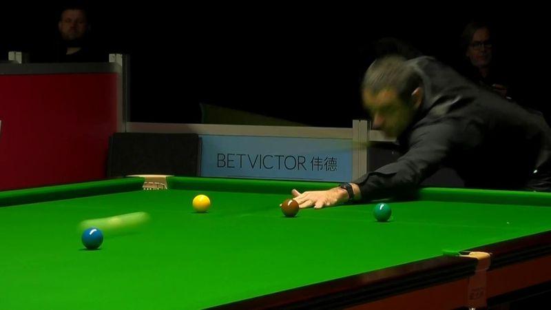 O'Sullivan sends balls flying round table in ultra-aggressive break-off