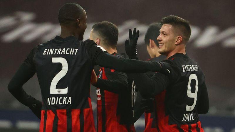 Revive el doblete de Jovic en su regreso como cedido al Eintracht