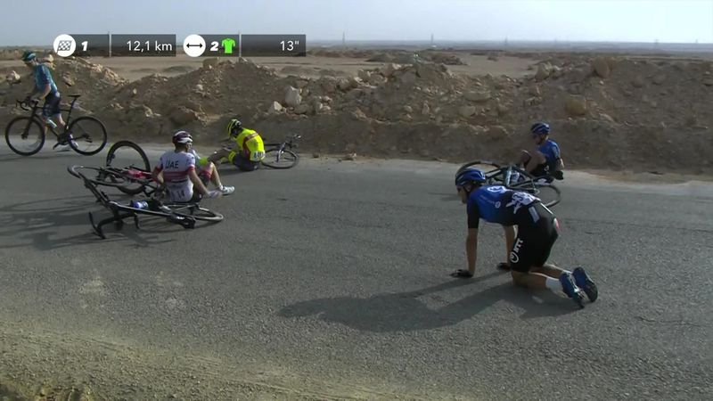 Massive crash in the peloton on Stage 2