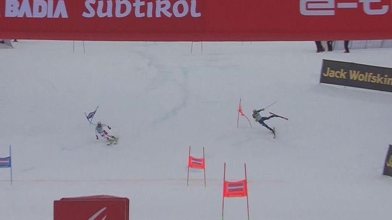 Итальянский горнолыжник упал в метрах от финиша и растерял все, что можно было растерять